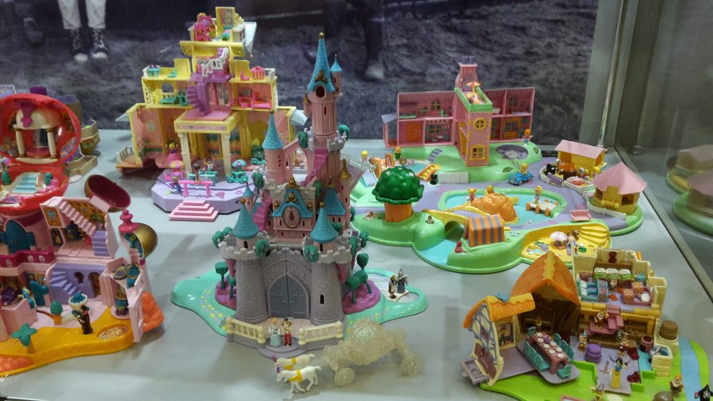 Collection of Polly Pockets