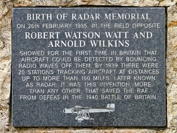 Memorial plaque in a field in Litchborough, the site of the first successful radar experiment carried out by Robert Watson Watt & Arnold Wilkins.